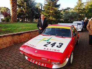 Angelo Genghi con la sua macchina da competizione