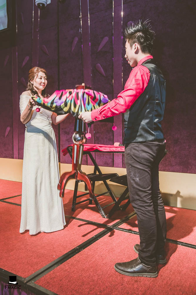 【魔術師法拉利】魔術表演 / 大型魔術演出 / 婚禮表演 / 魔術師推薦 / 魔術師價位