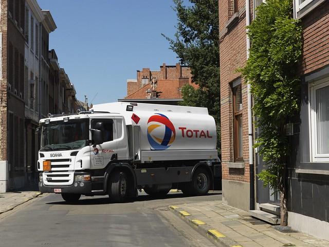 Компактный грузовик Scania P270 4x2 Tanker. 2004 – 2010 годы