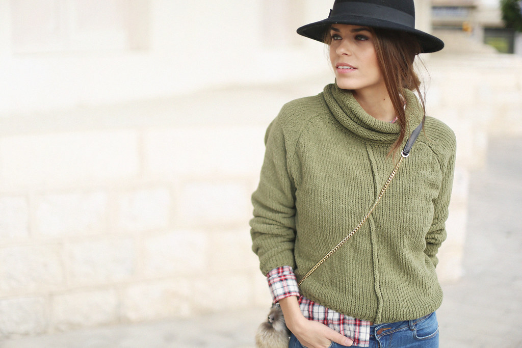 green turtleneck sweater fringed booties plaid shirt jessie chanes 5