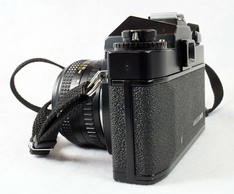 RD15023 Ricoh KR-5 SUPER 35mm SLR Film Camera XR Rikenon 50mm Lens, Sunpak Flash, Mustang Case DSC07462