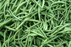 serrano pepper(0.0), choy sum(0.0), plant(0.0), bird's eye chili(0.0), plant stem(0.0), vegetable(1.0), green bean(1.0), produce(1.0), food(1.0), common bean(1.0),
