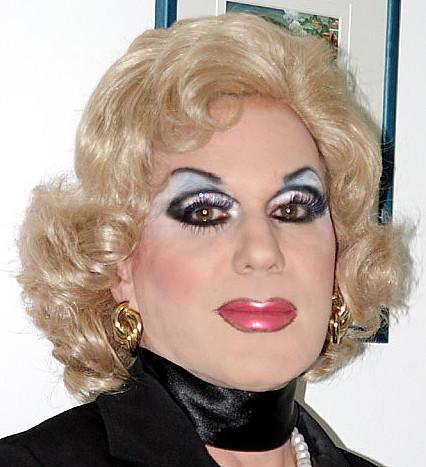 Transvestites haevy makeup