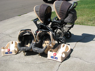 Graco DuoGlider with Car Seats and Bases