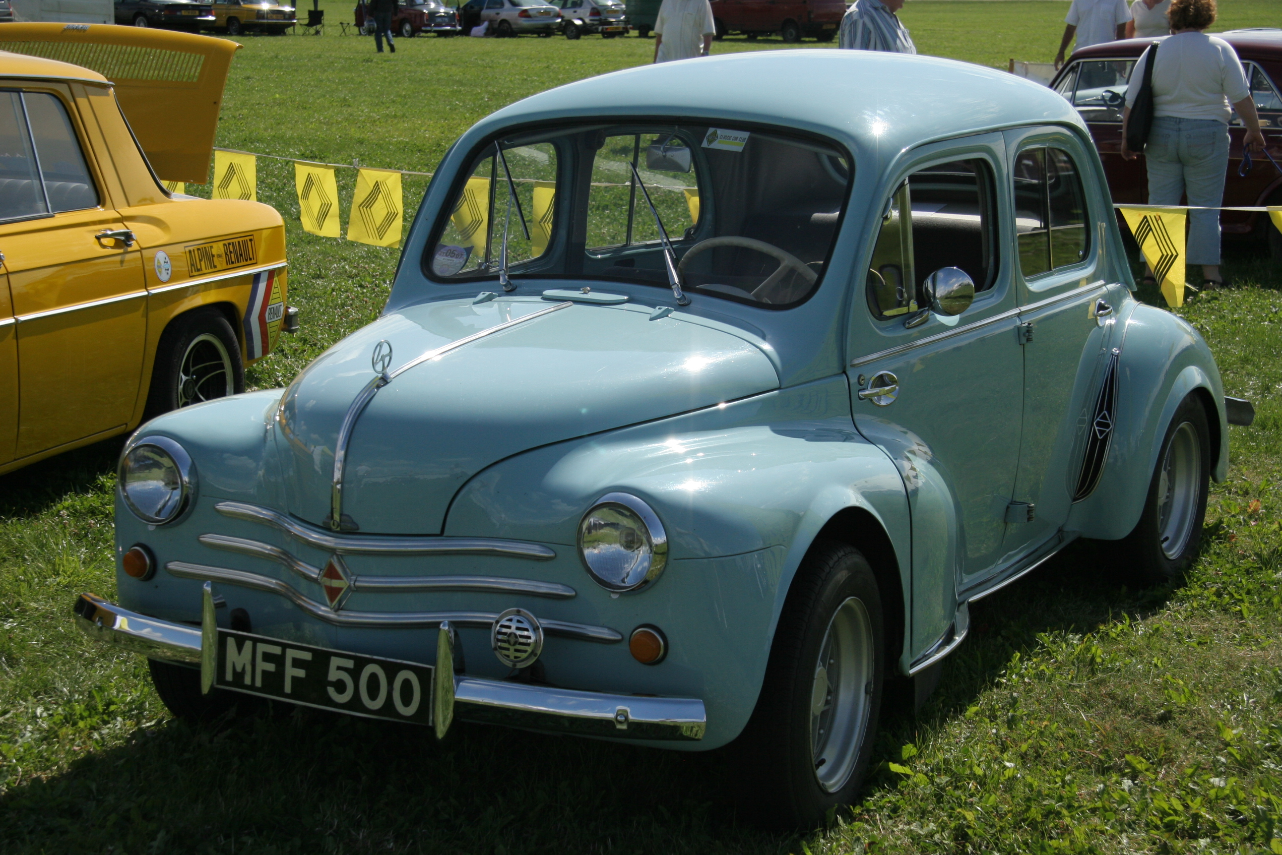 Morris Minor Wannabe Renault 4cv Flickr Photo Sharing