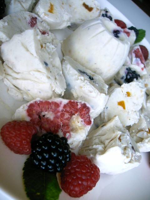 Термостойкое мороженое Дондурма