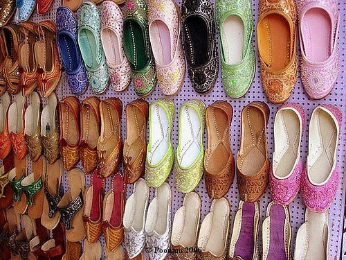 Famous areas to shop in Amritsar - Things to do in Amritsar