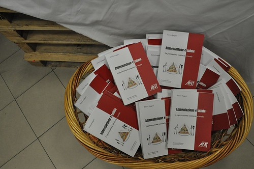 Inaugurato Merc'Ant idee per un regalo solidale