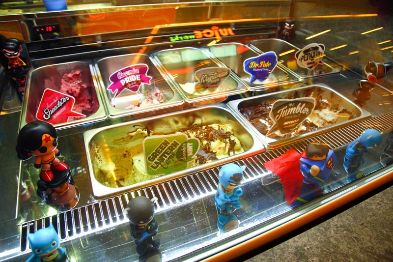 Ice-Cream-Counter