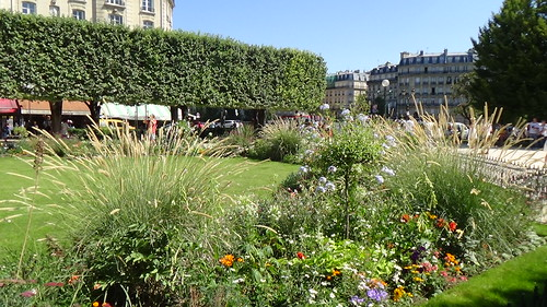 Paris Square Jean XXIII Aug 15 (6)