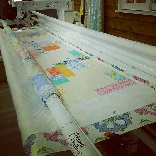 And today is the longarm work at @sydmodsquad! #freemotionquilting #handiquilter #hq18