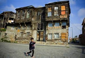 Un habitatge molt precari en un barri d'Istanbul (Turquia) . Maria