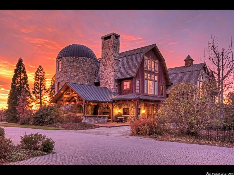 Красивый каменный дом в Юте