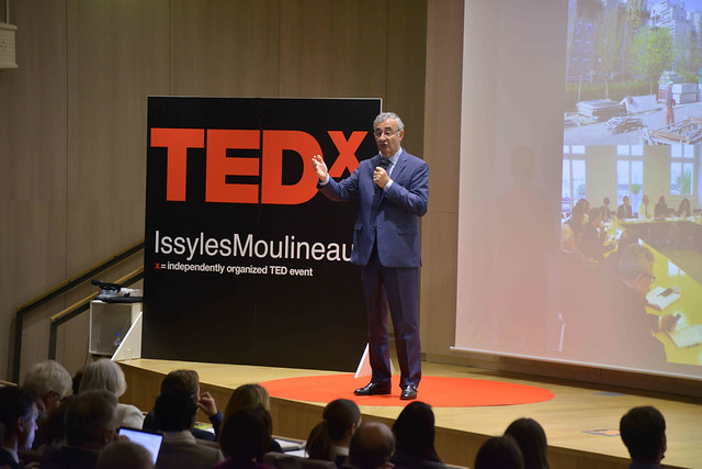 2016-11-23 - TEDxIssy-01 - Speakers (16h27m14) - Philippe PELLETIER