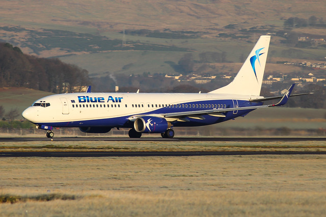 YR-BMD Boeing 737-800 Blue Air