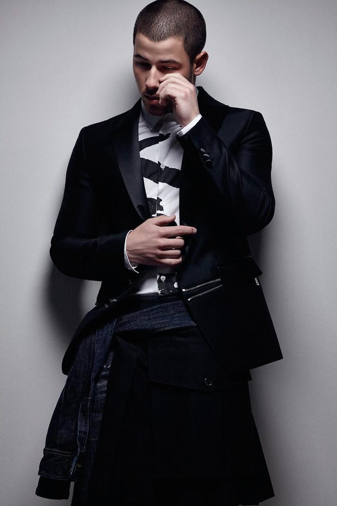 Ник Джонас — Фотосессия для «Essential Homme» 2016 – 11