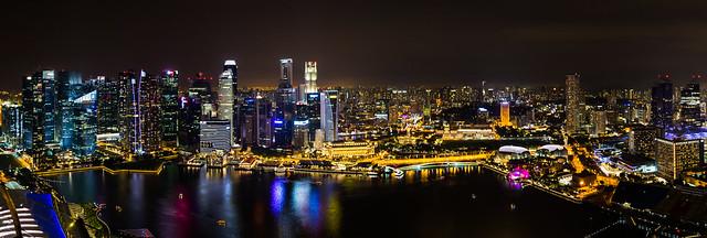 Panorama depuis la terrasse de l' Hôtel Marina Bay Sands (150 m) - Singapour