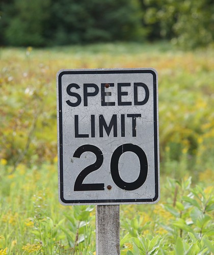 sign mi speed point funny humorous michigan wildlife national speedlimit mph confusing refuge nationalwildliferefuge decimal misleading seney 2015 seneynationalwildliferefuge decimalpoint
