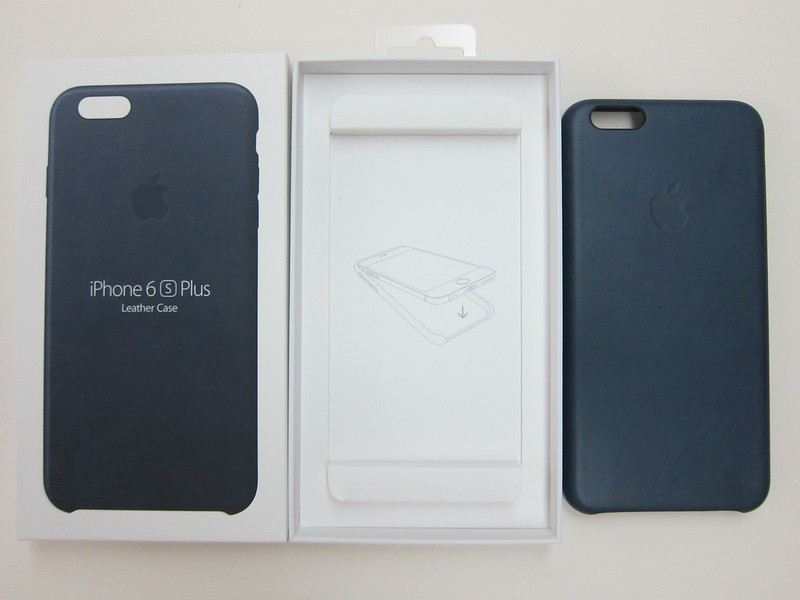 Apple iPhone 6s Plus Leather Case (Midnight Blue) - Box Open
