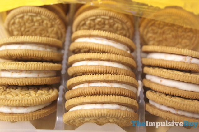 Nabisco Limited Edition Toasted Coconut Oreo Cookies 2