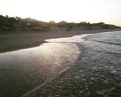 Navegar... #canoaquebrada #praia #praiacearense #sunset #BlogAuroradeCinemaviagens #brazil #mar #ondas #maresia