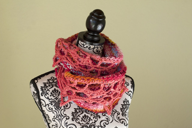 Colour Your Mind Cowl
