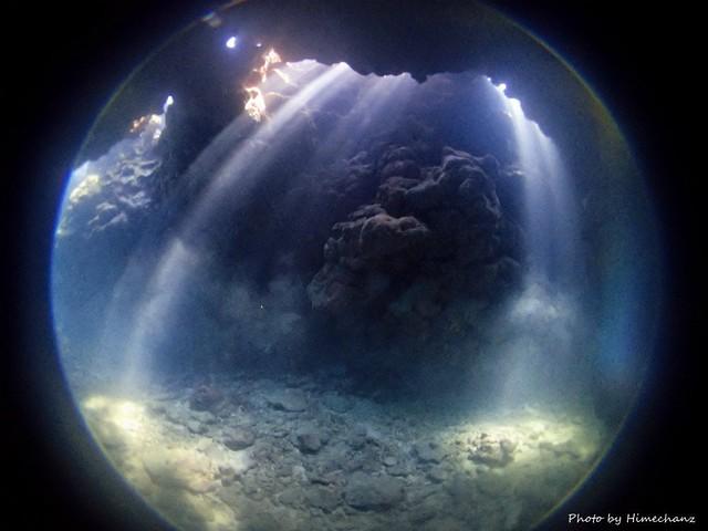 今日の洞窟の光はスゴかった!!!