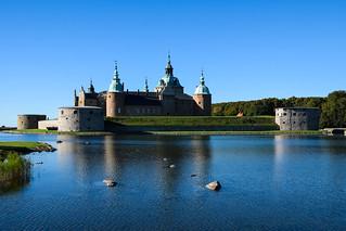 Image of Kalmar slott. autumn sky castle water outdoor småland höst östersjön kalmar slott