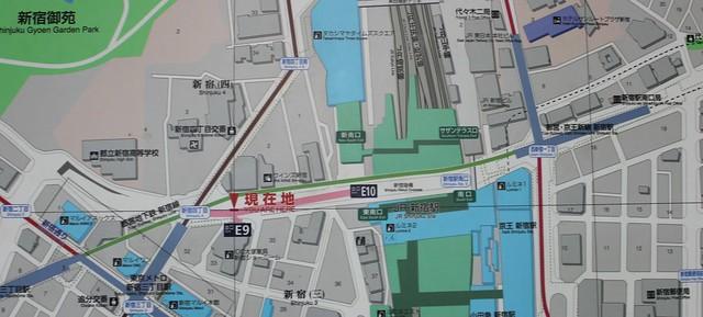 新宿三丁目駅と地下歩道と玉川上水 (10)