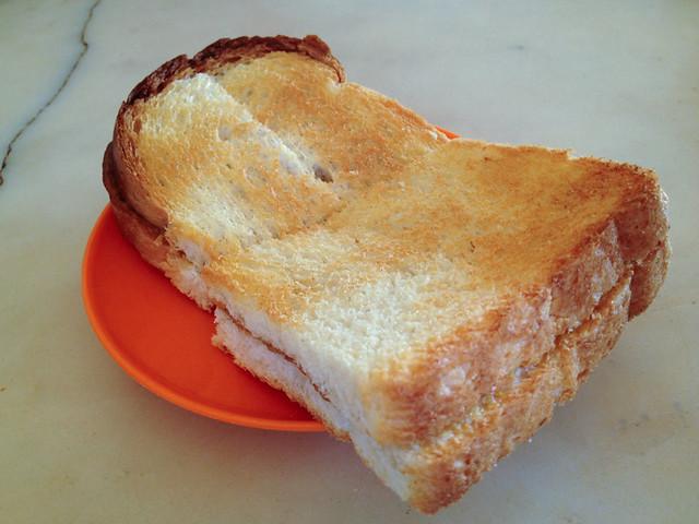 yik-mun-tanjung-malim-toast-bread