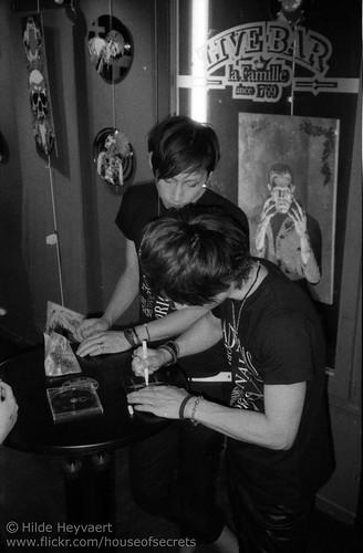 post-gig autograph session