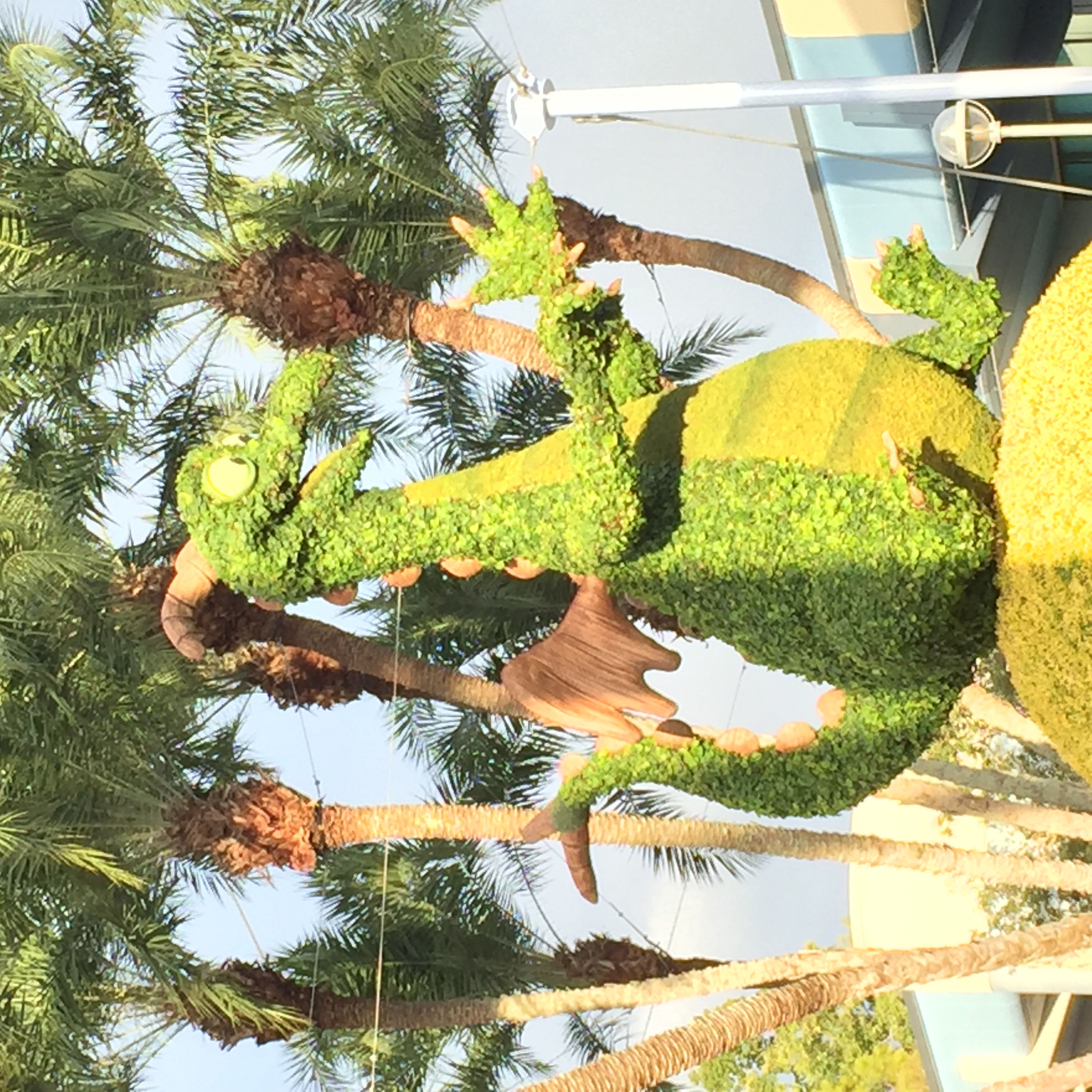 Amazing Topiary: FIRST LOOK: Amazing Figment Topiary Arrives At Epcot For