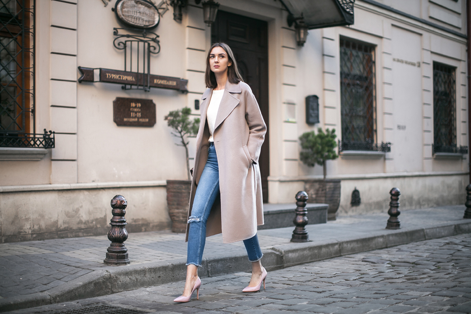 oversized-pastel-coat-outfit-look