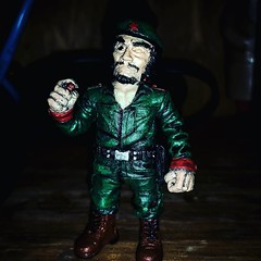 Eyes are so hard to get right. But El Jefe looks amazing with a little bit of paint on him. Incredible detail. #RagingNerdgasm #TomKhayos #ToyGameScroogeMcDuck #customtoys #repainted #resin #toyart #arttoys #eljefe #dictator #soldier #revolution #viva
