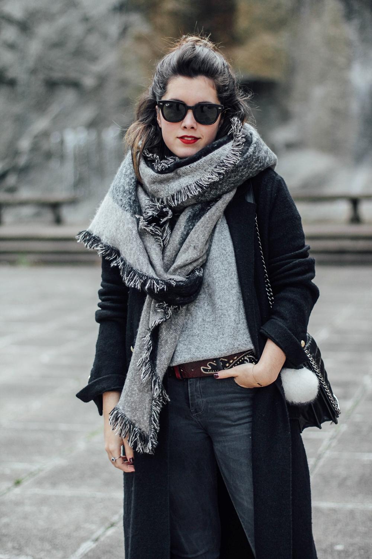 combinar maxi abrigo negro myblueberrynightsblog