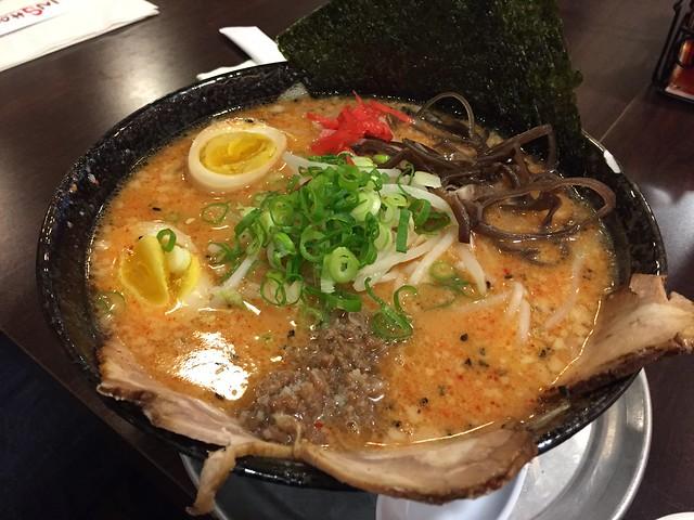 Spicy Tonkotsu Ramen (+Sriracha)