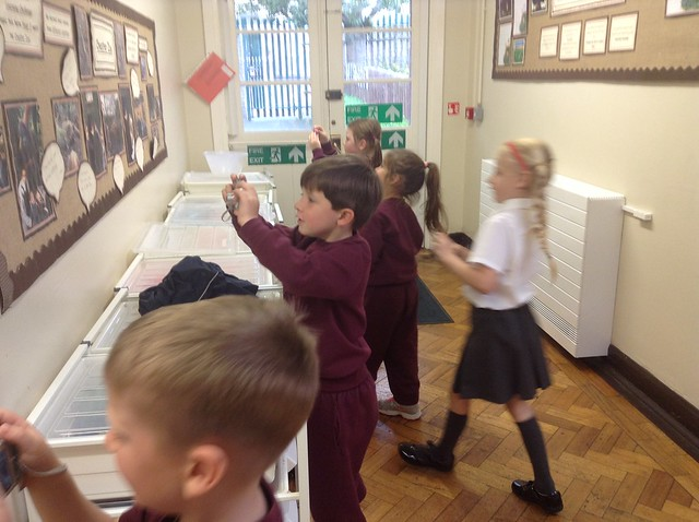 Y2 Children taking photos