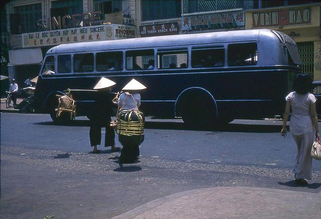 SAIGON 1950s - Street Scene