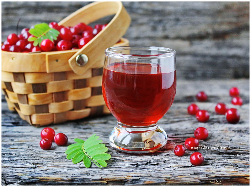 ...cranberry liqueur