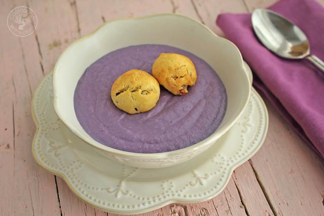 Crema de lombarda con panecillos de jamón y queso www.cocinandoentreolivos.com (1)