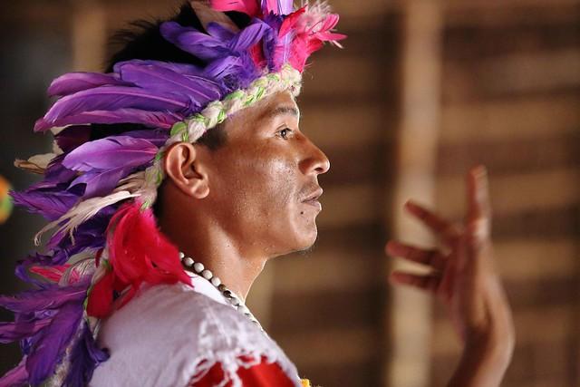 01_indigener-im-Gebetshaus_5