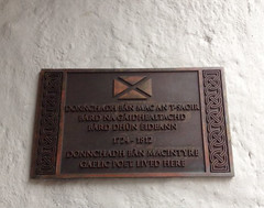 Photo of Duncan Ban MacIntyre bronze plaque