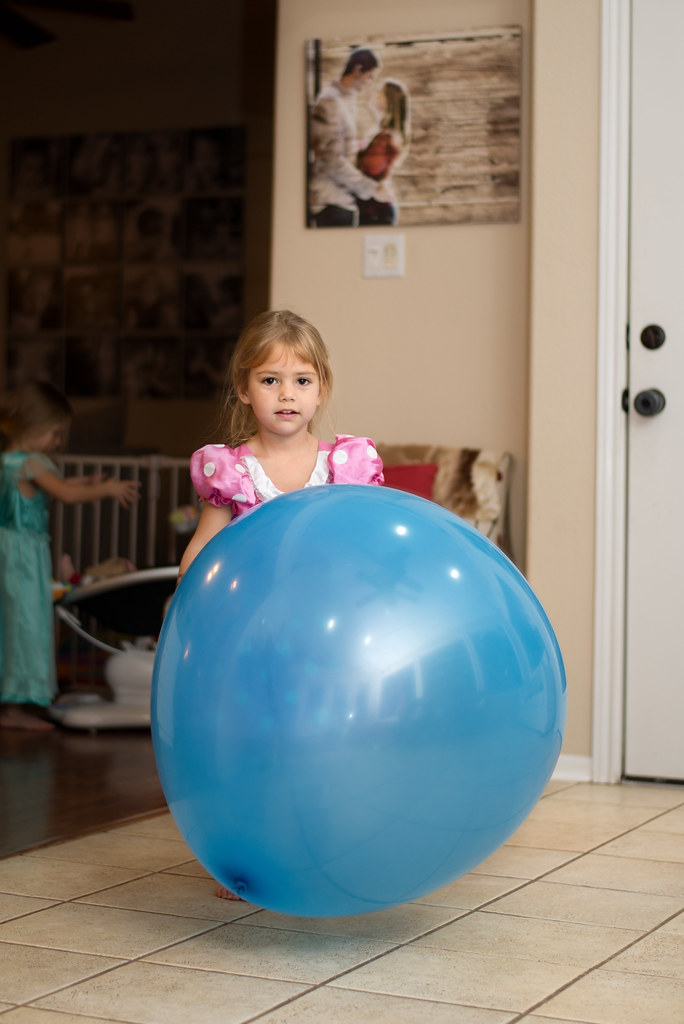 Reese's Big Blue Balloon