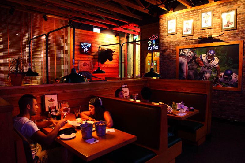 Texas-Roadhouse-Sports-Booth