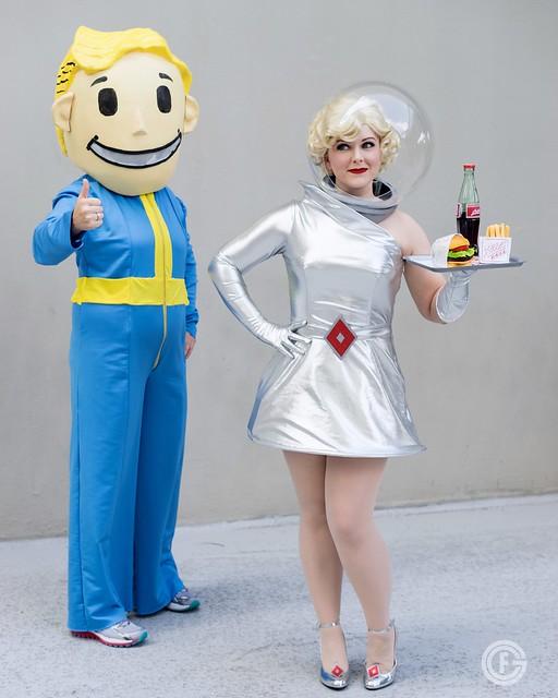 1950s space woman cosplay  retro halloween costume www.vintagelovebygigi.com