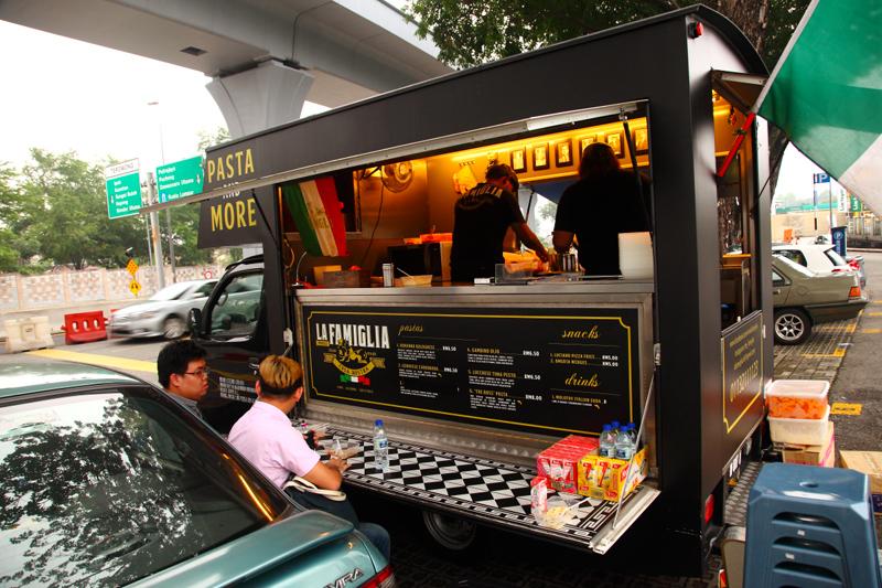 La-Famiglia-Food-Truck-TTDI
