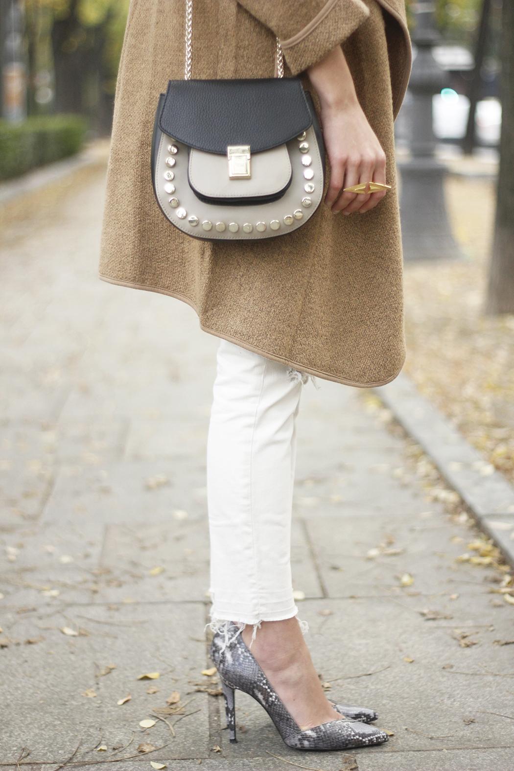 Camel Coat sheinside white outfit heels uterqüe purse outfit11