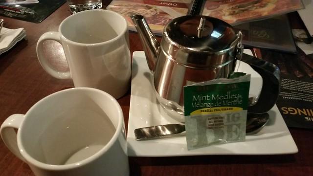 Red Robin tea order