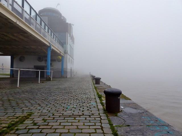 Antwerpen in de mist (02)