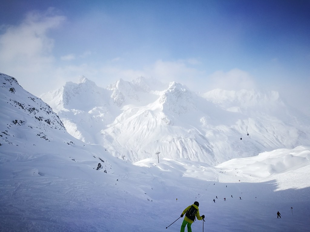 Skiing down Trittkopf